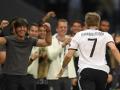 Bastian Schweinsteiger wird von Bundestrainer Joachim Löw in der 89.Minute eingewechselt - und trifft zum 2:0!  / AFP PHOTO / PATRIK STOLLARZ