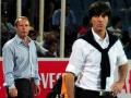 Bundestrainer Joachim Loew und der damalige Azerbaijan's Trainer  Berti Vogts (L) beim Euro 2012 Quali-Spiel Azerbaijan gegen Deutschland am 7.Juni 2011 in Baku, Azerbaijan. AFP PHOTO / JOHANNES EISELE