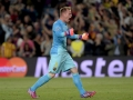 Barcelonas Torwart Marc-Andre ter Stegen feiert den 3:0 Sieg des FC Barcelona gegen den FC Bayern München im Camp Nou stadium in Barcelona on May 6, 2015.     AFP PHOTO/ JOSEP LAGO
