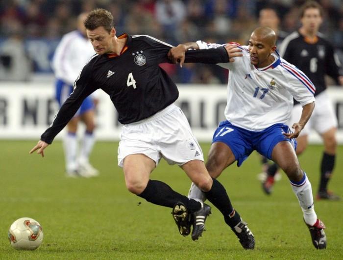 Christian Woerns im schwarzen Auswärtstrikot 2004 (Foto AFP)