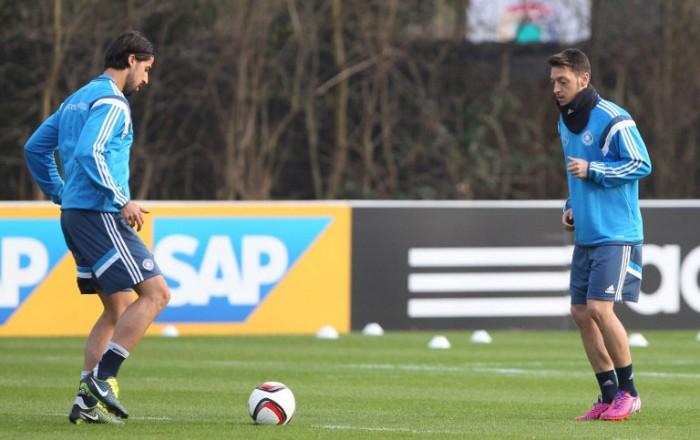 1.Training in Frankfurt (Foto AFP)