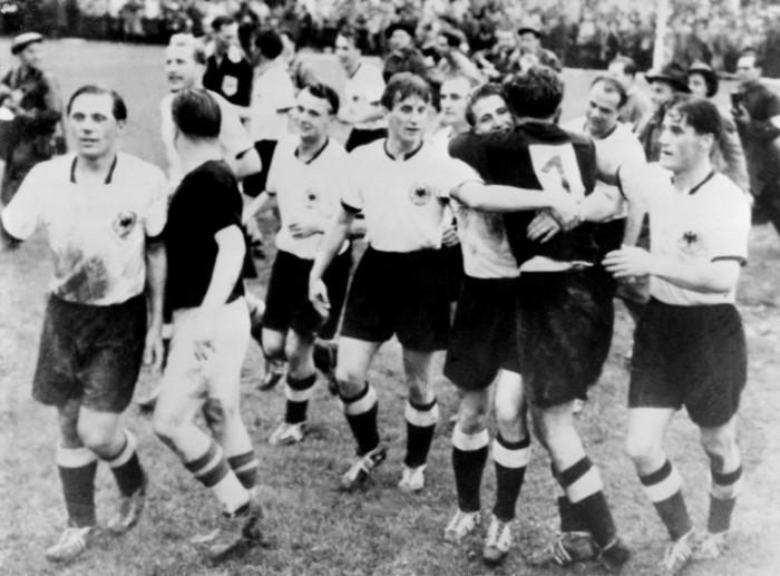 Deutschland gewinnt die WM 1954 in der Schweiz. AFP PHOTO/INTERCONTINENTALE