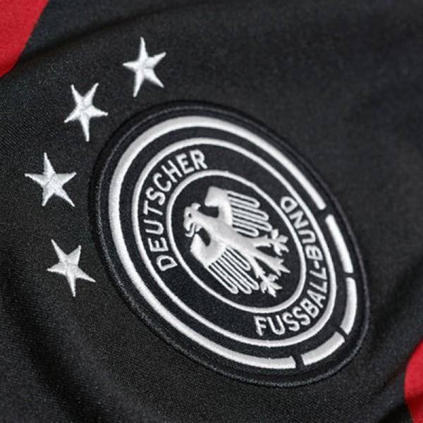 DFB Auswärtstrikot 2014 mit 4 Sternen
