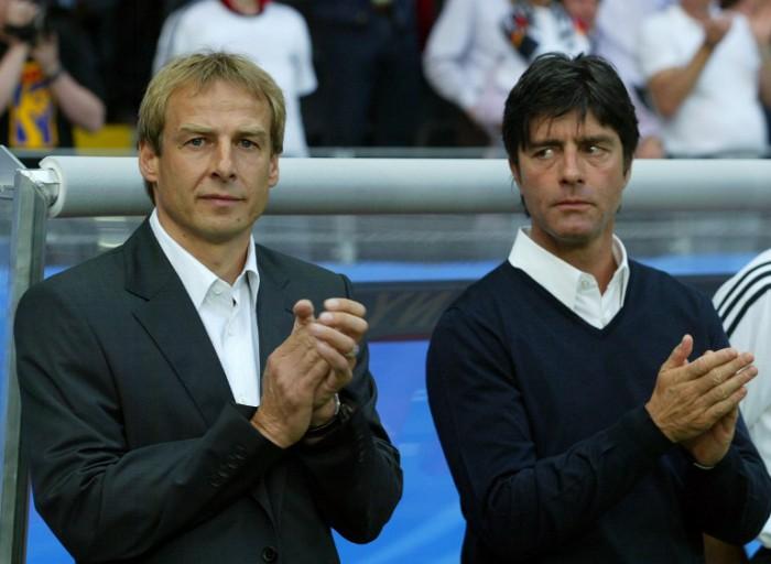 Jürgen Klinsmann und Joachim Löw Confederations Cup 2005 in Frankfurt am 15. Juni 2005. AFP PHOTO MARCUS BRANDT