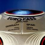 Der offizielle Finalball der UEFA Euro 2008 zwischen Deutschland und Spanien AFP PHOTO / VINCENZO PINTO