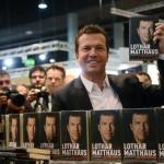"""Lothar Matthäus, präsentiert sein Buch """"Ganz oder gar nicht"""" auf der 64. Frankfurter Buchmesse 2012. AFP PHOTO / JOHANNES EISELE"""