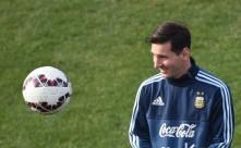 Argentinien mit Lionel Messi und dank guter Copa America 2015 nun auf dem 1.Platz der FIFA-Weltrangliste. AFP PHOTO / PABLO PORCIUNCULA