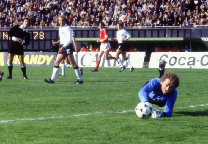 Torwart Sepp Maier bei der WM 1978 beim Spiel Deutschland gegen Polen in Buenos Aires. AFP PHOTO