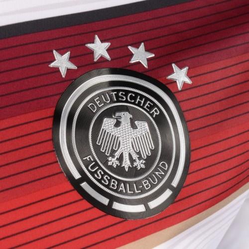 Die 4 Sterne auf dem DFB-Trikot nach dem Weltmeistertitel 2014.