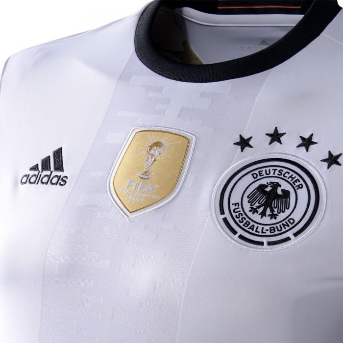 Das neue DFB Trikot 2016 im Detail