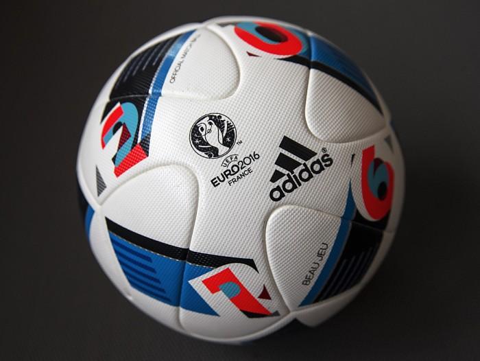 Beau Jeu - der Spielball der EM 2016 (adidas presse)
