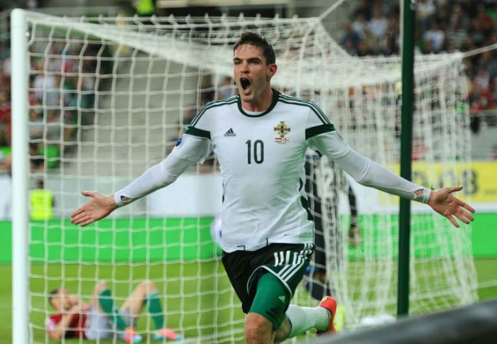 Nordirlands Stürmer Kyle Lafferty gegen Ungarn am 7.September 2014 in Budapest. AFP PHOTO / ATTILA KISBENEDEK