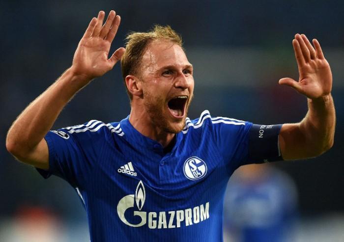 Schalke's Kapitän und Abwehrchef Benedikt verlängert seinen Vertrag bis 2020. AFP PHOTO / PATRIK STOLLARZ / AFP / PATRIK STOLLARZ