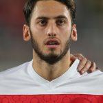 Hakan Calhanoglu: Türkischer Nationalspieler und Bayer 04 Leverkusen Star. AFP PHOTO / AL-WATAN DOHA