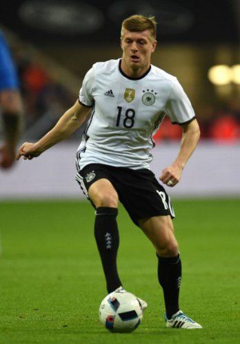 Toni Kroos mit der Rückennummer 18 bei der Fußball EM 2018 (Foto AFP)