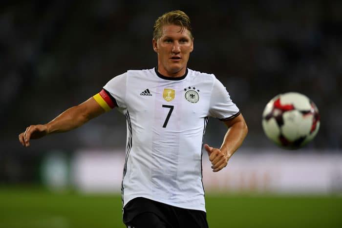 / AFPBastian Schweinsteioger verabschiedete sich aus der Nationalmannschaft und wird nicht mehr dabei sein! PHOTO / PATRIK STOLLARZ