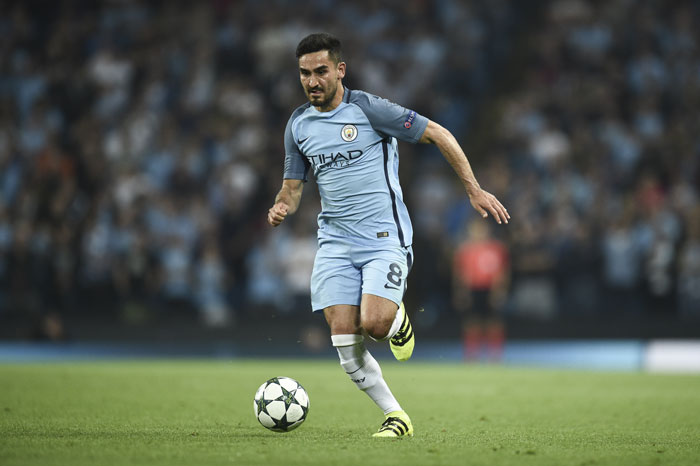 Manchester City's Ilkay Gündogan im Trikot von Manchester City ain der Champions League./ AFP PHOTO / OLI SCARFF