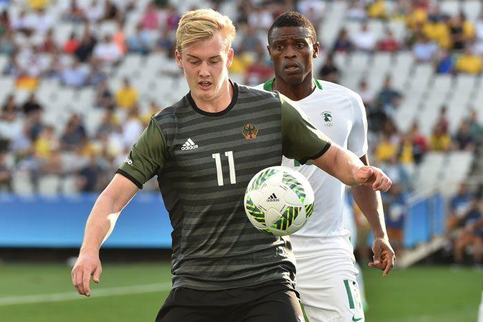 Julian Brandt gegen den Nigerianer Stanley Amuzie in Rio 2016 bei den olympischen Spielen in Sao Paulo, Brazil am 17.August 2016. / AFP PHOTO / NELSON ALMEIDA