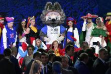 Zabivaka, das Maskottchen der WM 2018 bei der Auslosung des FIFA Confederations Cup AFP PHOTO / Alexander NEMENOV