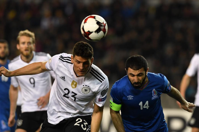 Mario Gomez erzielt das 2:1 gegen Aserbaidschan / AFP PHOTO / Kirill KUDRYAVTSEV