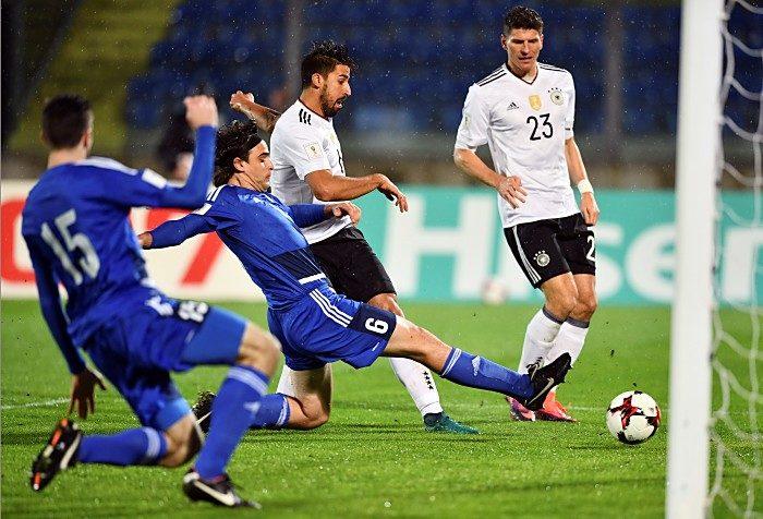 Sami Khedira erzielt das 1:0 (Foto AFP)