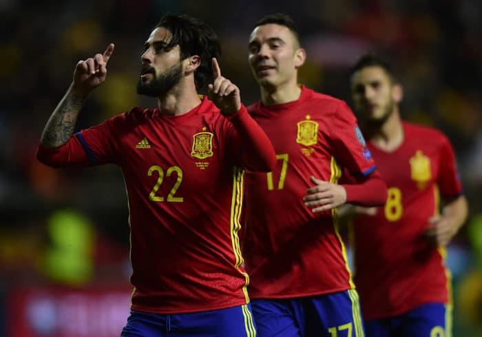 Spaniens Mittelfeldspieler Isco feiert sein Tor gegen Israel / AFP PHOTO / MIGUEL RIOPA
