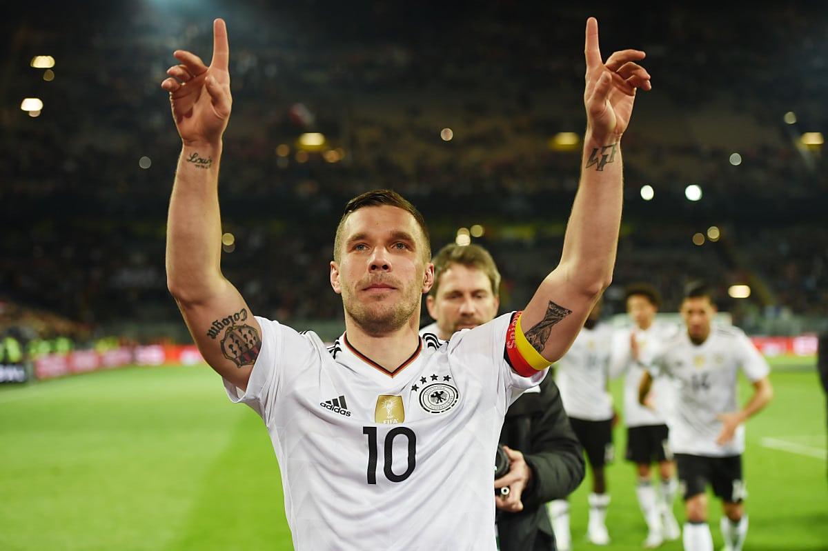 Lukas Podolski nach seinem letzten Länderspiel am 22.03.2017 in Dortmund. Gegen England schoß er das Siegtor, es war sein 49.Länderspieltor. AFP PATRIK STOLLARZ