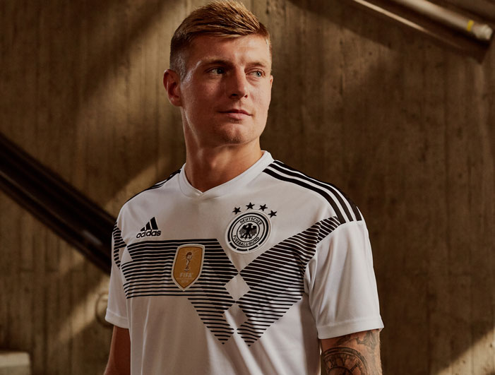 toni kroos deutschland trikot nr 8. Black Bedroom Furniture Sets. Home Design Ideas