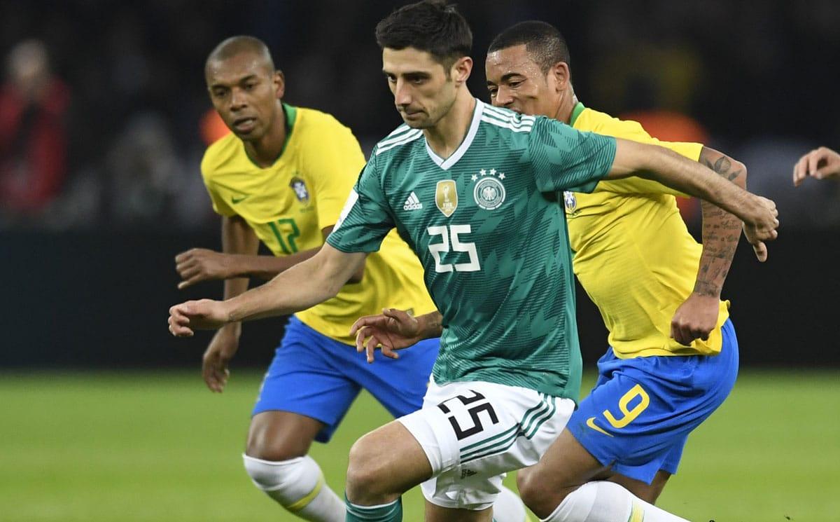 Lars Stindl im neuen DFB Away Trikot 2018 mit der Rückennummer 25 gegen Brasilien am 28.März 2018 (Foto AFP)