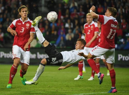 Josuha Kimmich: ein begnadeter Fußballspieler, erzielt auch einmal per Fallrückzieher ein Tor, hier gegen Dänemark. (Foto AFP)