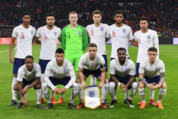 England's Startaufstellung im neuen weißen Heimtrikot gegen die Niederlande in der Amsterdam Arena in Amsterdam am 23.März 2018. / AFP PHOTO / Emmanuel DUNAND