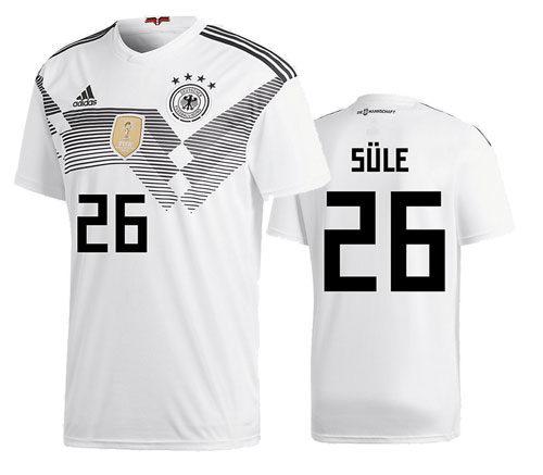 Er wird zunächst die Rückennummer 26 bei den nächsten beiden Länderspielen tragen.