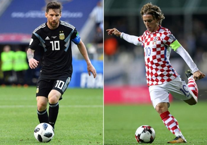 Lionel Messi gegen Luka Modric - Argentinien verliert mit 0:3 gegen Kroatien und scheidet damit so gut wie aus dem WM-Turnier aus./ AFP PHOTO / Mladen ANTONOV AND STR