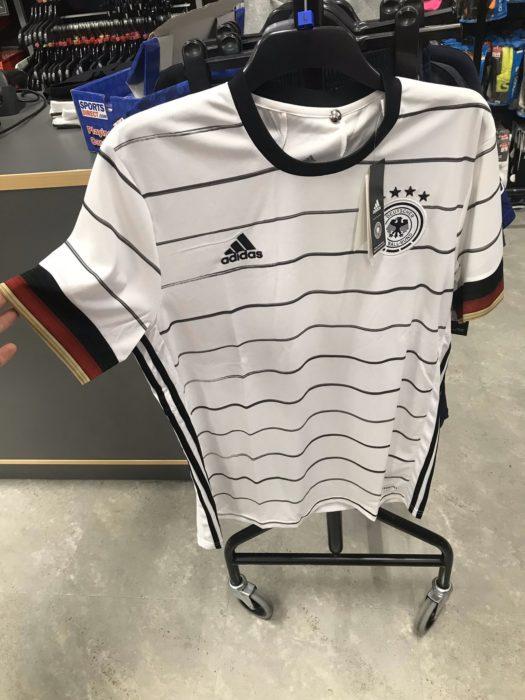 Ist das das neue DFB Trikot 2020? (Quelle: Twitter)