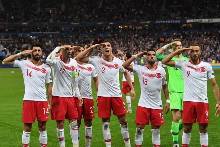 Türkische Nationalspieler gegen Frankreich am 14. Oktober 2019 in der EM 2020 Qualifikation. (Photo by Alain JOCARD / AFP)