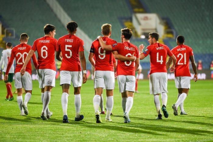 Englands Nationalmannschaft ist Favorit in der Gruppe E - hier gegen Bulgarien im Oktober2019. (Photo by NIKOLAY DOYCHINOV / AFP)