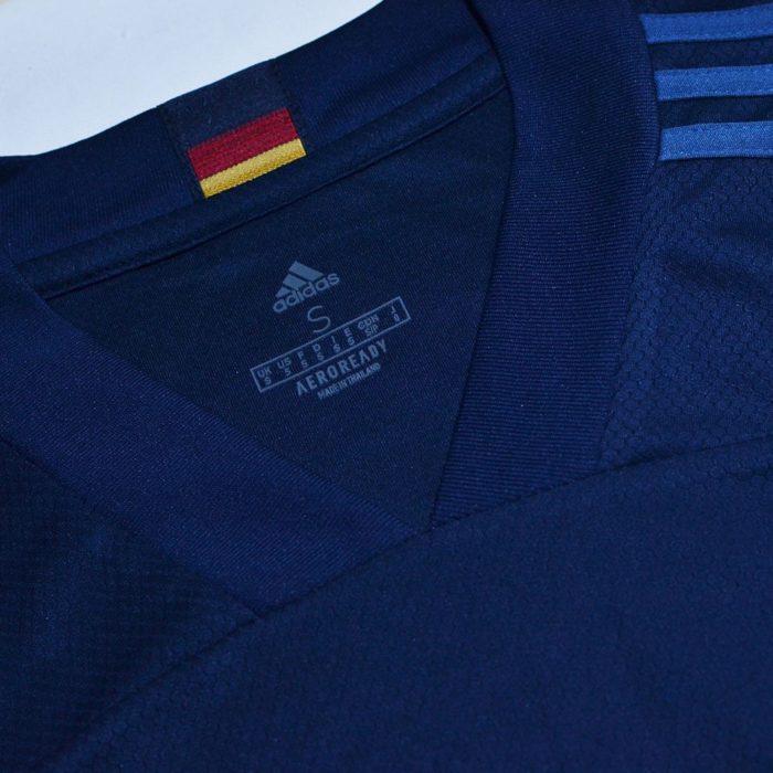 Das Away Trikot 2020 von Deutschland - hier eher blau.