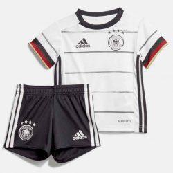 Das neue DFB Kindertrikot gibt als Minikit inklusive Hose und sogar ein Babykit ist erhältlich.