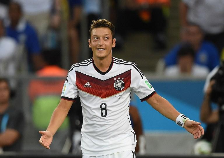 Mesut Özil im Drei-Sterne Trikot im WM-Finale gegen Argentinien (Foto AFP)